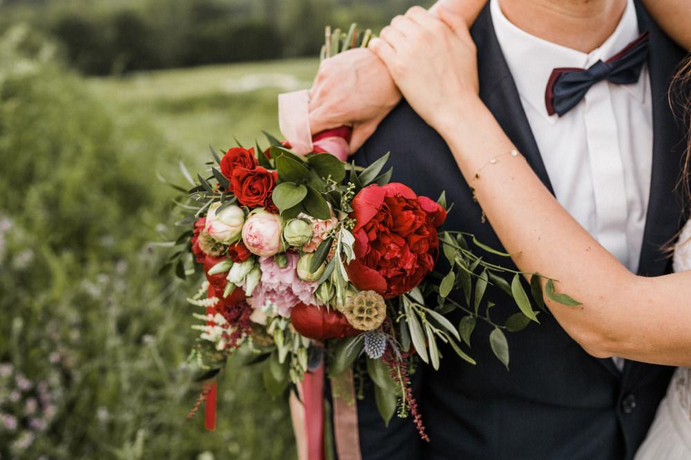 ślub i wesele w czasie epidemii co robic odwolac przelozyc