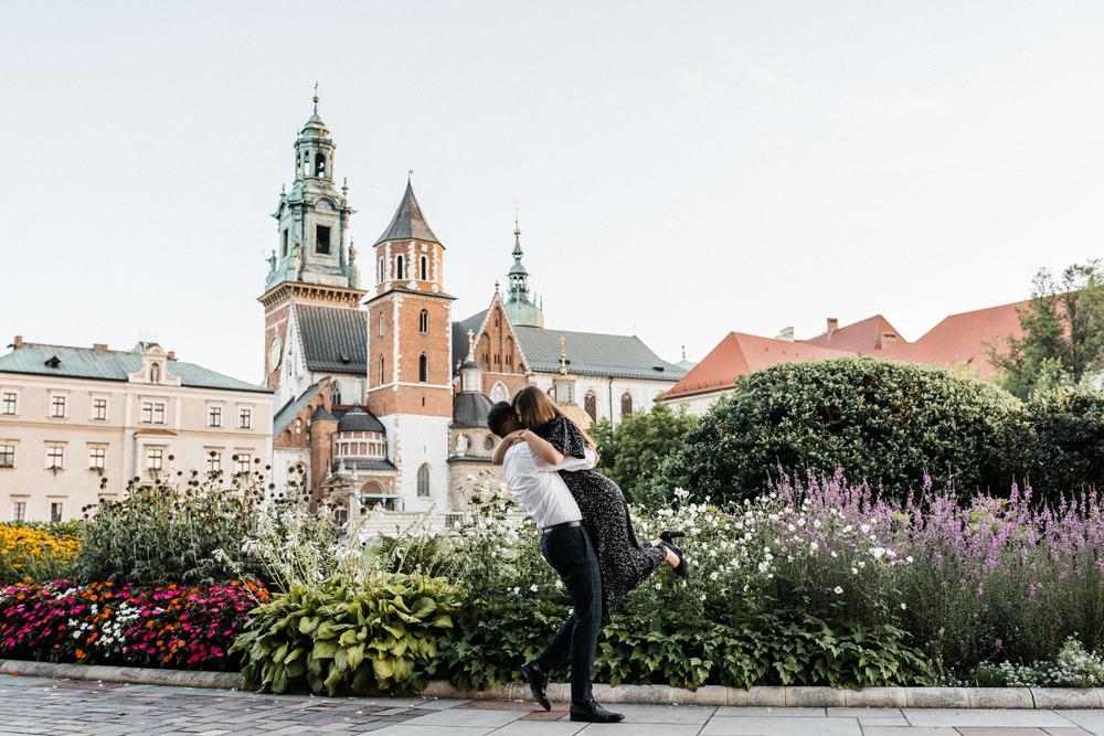 Sesja narzeczenska na Wawelu w Krakoiwe